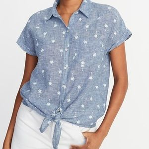 Old Navy Tops - Tied button down palm tree Shirt